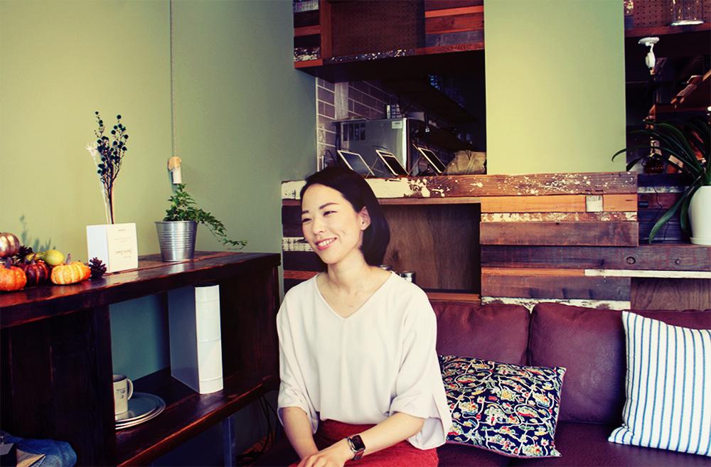 スタディスト朝倉さん、カフェに着席の瞬間