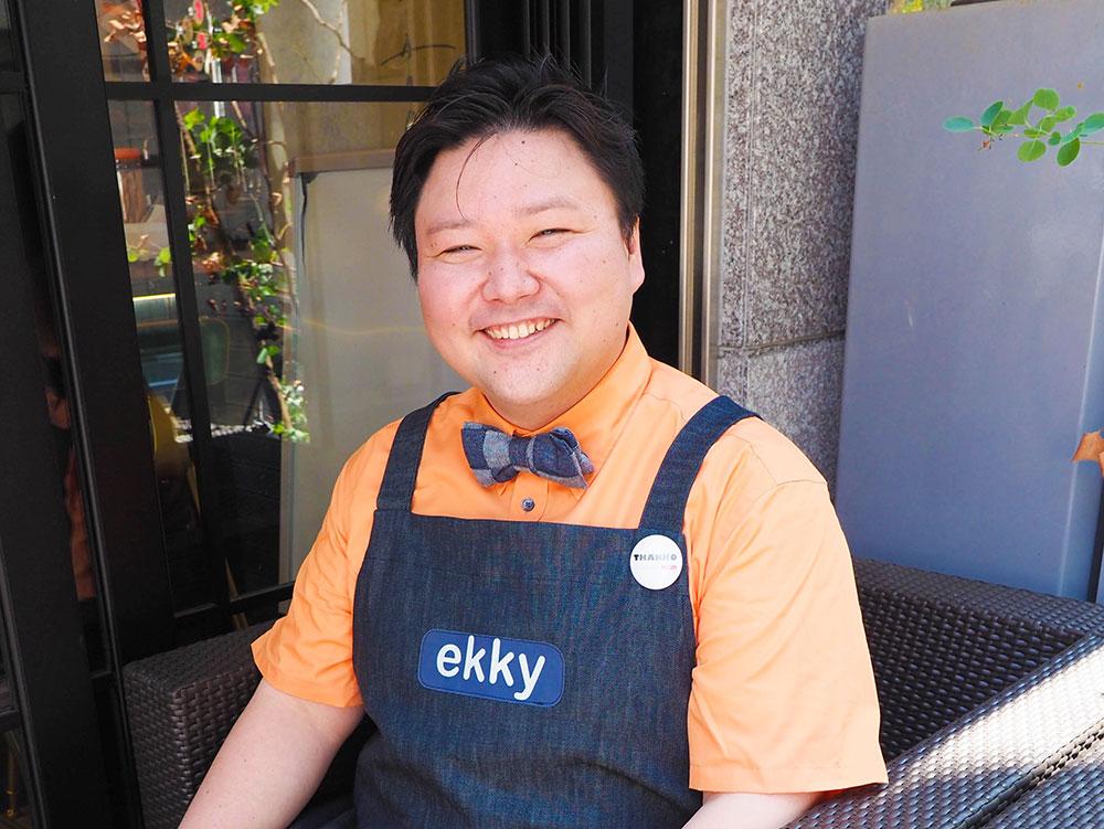 サンコー株式会社 広報部部長 﨏 晋介(えき・しんすけ)さん。蝶ネクタイが似合ってます。