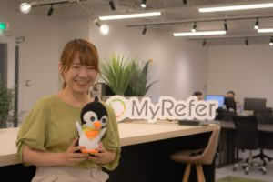 """「経営」との距離が近いからできる""""想いを形にする""""広報~そして、リファラル採用を啓蒙するためのPRとは―「MyRefer」広報・岩田知佳さん"""