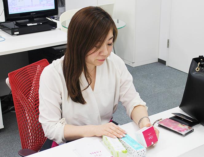 株式会社コミュニケーションデザイン、岡部さん