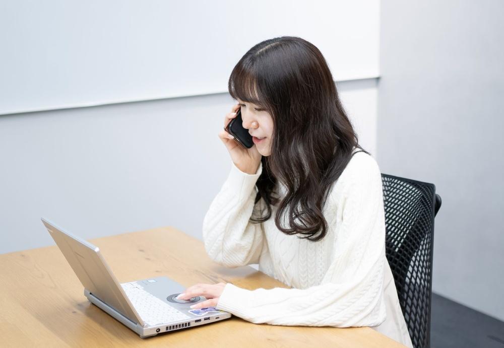 江川さんが配信する、社内ライブ配信企画「みどりの部屋」は、広報グループで話し合い、生まれた企画。