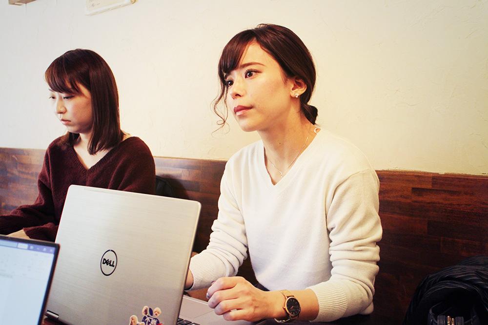 三和交通のまーちゃんこと和田さん(右)、左は小澤さん(ちーちゃん)