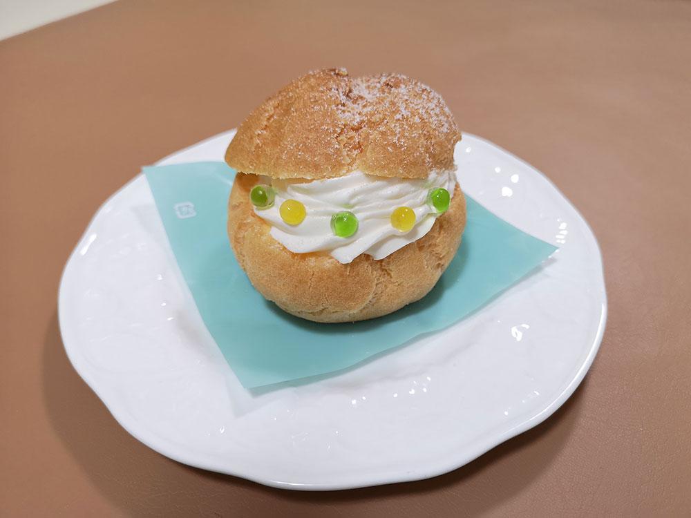 シュークリーム × 「わさビーズ」と「ゆず胡椒ビーズ」